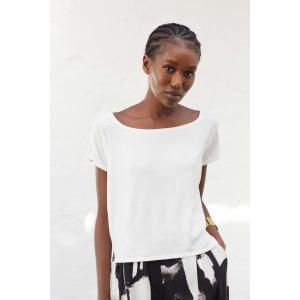 LASKO top in white