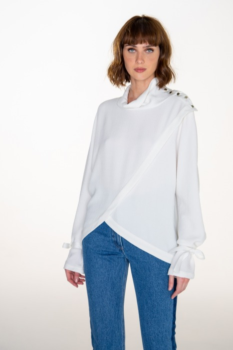 Button-down collar asymetrical blouse CRISTAL white