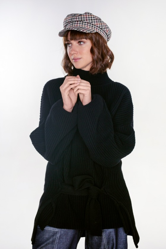 Turtleneck sweater with a wool belt HAVANA bright black