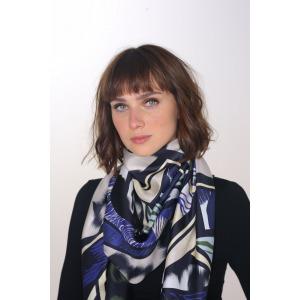 REJANE bleu - Carré en soie imprimée 130 x 130