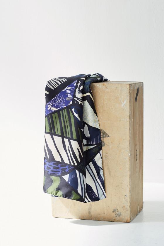 REJANE blue - 130x130 printed silk square scarf