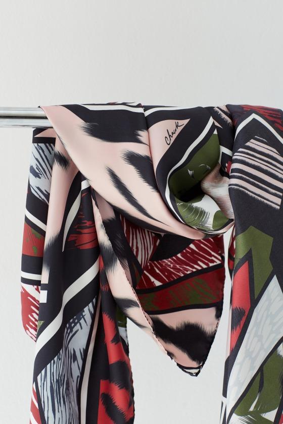 REJANE rouge - Carré en soie imprimée 130 x 130