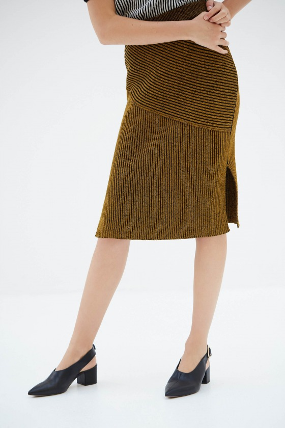 TREMA camel - Jupe tube avec fente sur le côté en coton et laine